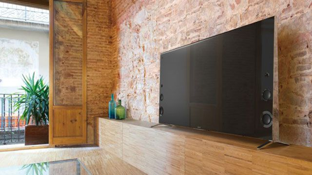 Best 4K TV Buying Guide: Are you thinking about upgrading to a 4K TV? Check out our definitive list of the 13 best 4K TVs in 2016