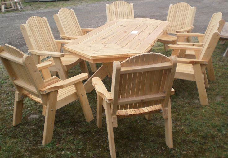 Cedar stretch hex table and chairs by Flamborough Patio