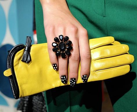die besten 25 yellow gloves ideen auf pinterest handschuhe mode handschuhe und vintage. Black Bedroom Furniture Sets. Home Design Ideas