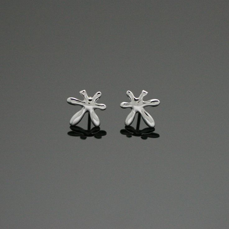 Leaflower stud earrings. by Chao & Eero. #finland #finnishdesign #chaoandeero
