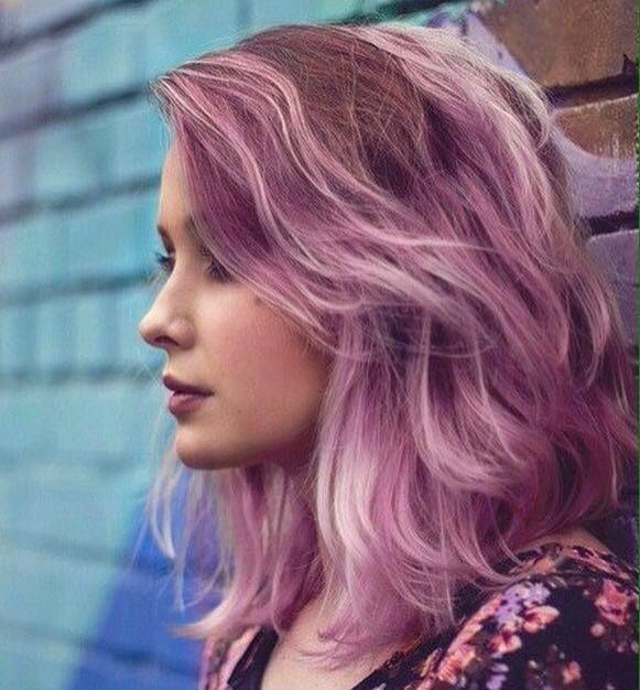 Opvallen met je kapsel? Check deze 13 prachtige pasteltinten met paars en roze!