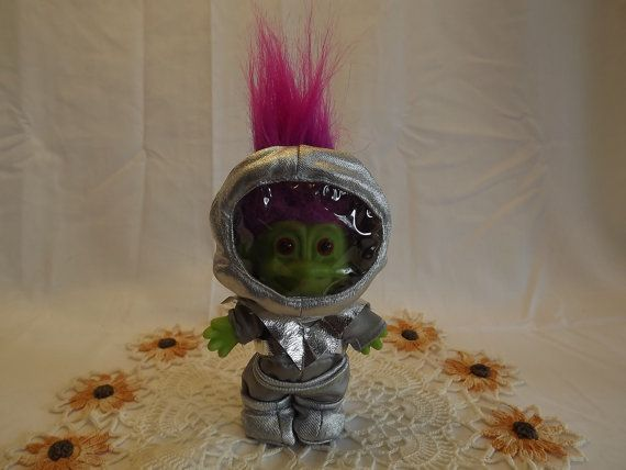 Greetings Earthlings! Vintage Green Martian Russ Berrie and Company Inc. Troll Doll,  Novelty Toy Made in China, Collectible Troll