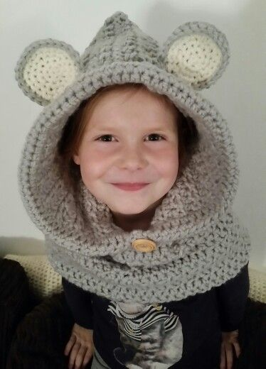 Grey mouse cowl