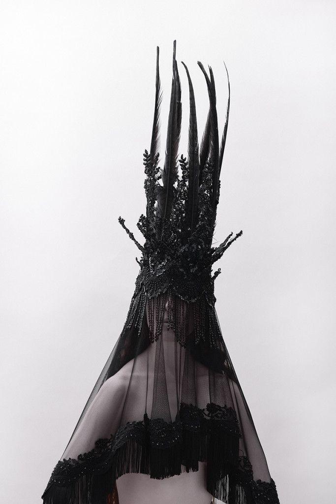 Headpiece inspiration WEB: http://beautifulsavage.com/fashion/melusina-jay-briggs/ ARTSIT: Jay Briggs  TITLE: Melusina DATE: 2014