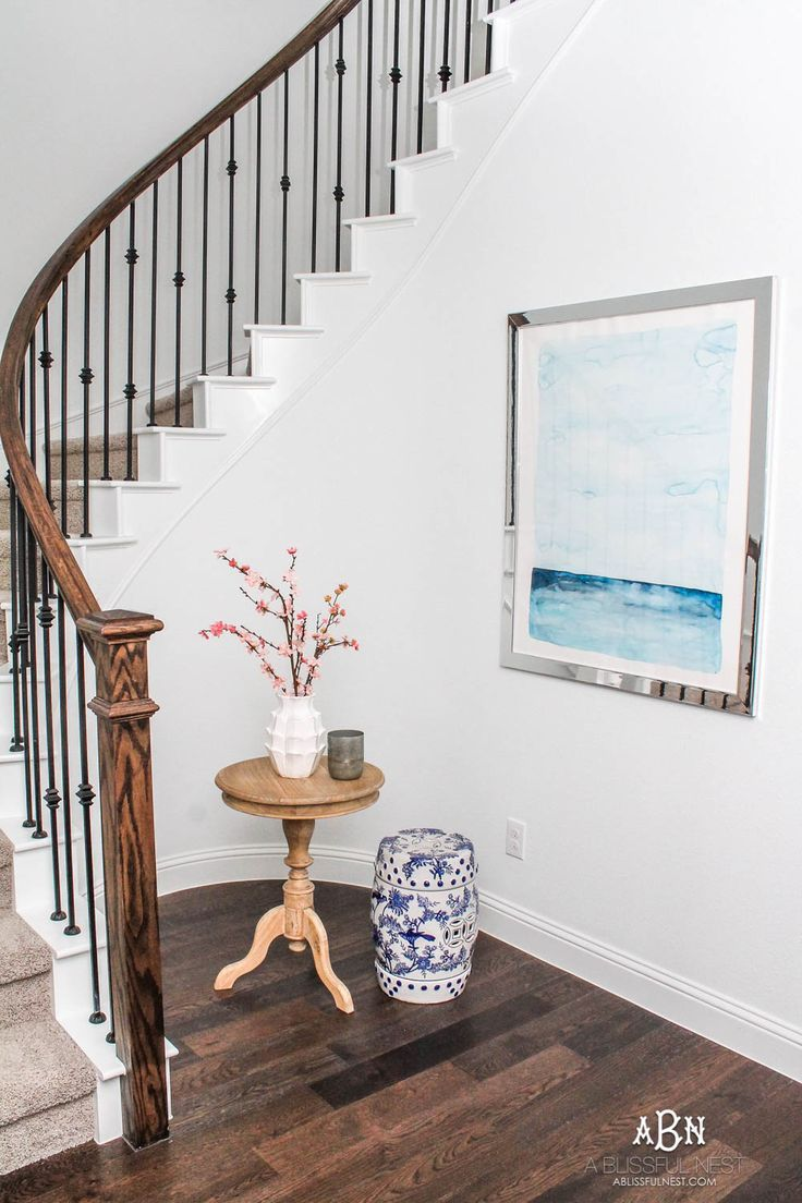 if you have a small entry but want big style then grab my tips on creating a gorgeous inviting space entrywayideas entryway entrywaydecor