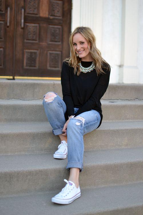statement necklace, boyfriend jeans and converse