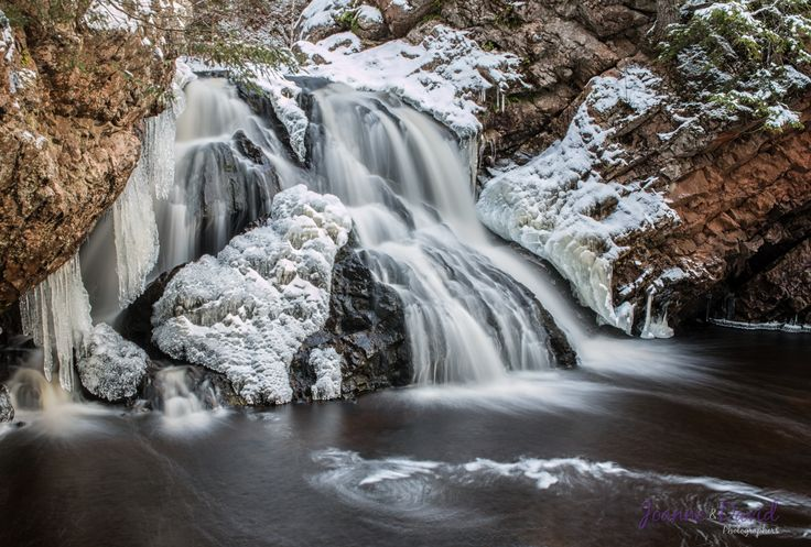 Here is another view of Waddell Falls in Victoria Park that I took last week when we had some snow.  We are also now offering canvas prints, photo prints and photo note cards of any of the images you see on our website. For more details click on this link - http://bit.ly/1vvqiv3.