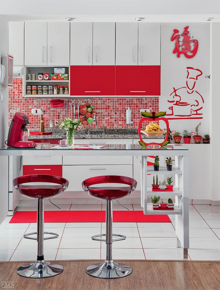 01-cozinha-sofisticada-vestida-de-vermelho-e-branco