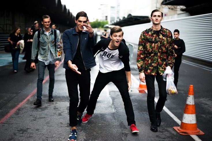 Fashion Repost: Call Off Duty: Street Style behind the Scenes with Top Male Models :http://www.menfashionhub.com/p/fashion-repost-call-off-duty-street-style-behind-scenes-top-male-models/