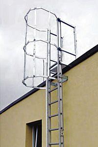 Ipari létrák és létrarendszerek - munkavédelmi szabályoknak megfelelő kialakítás