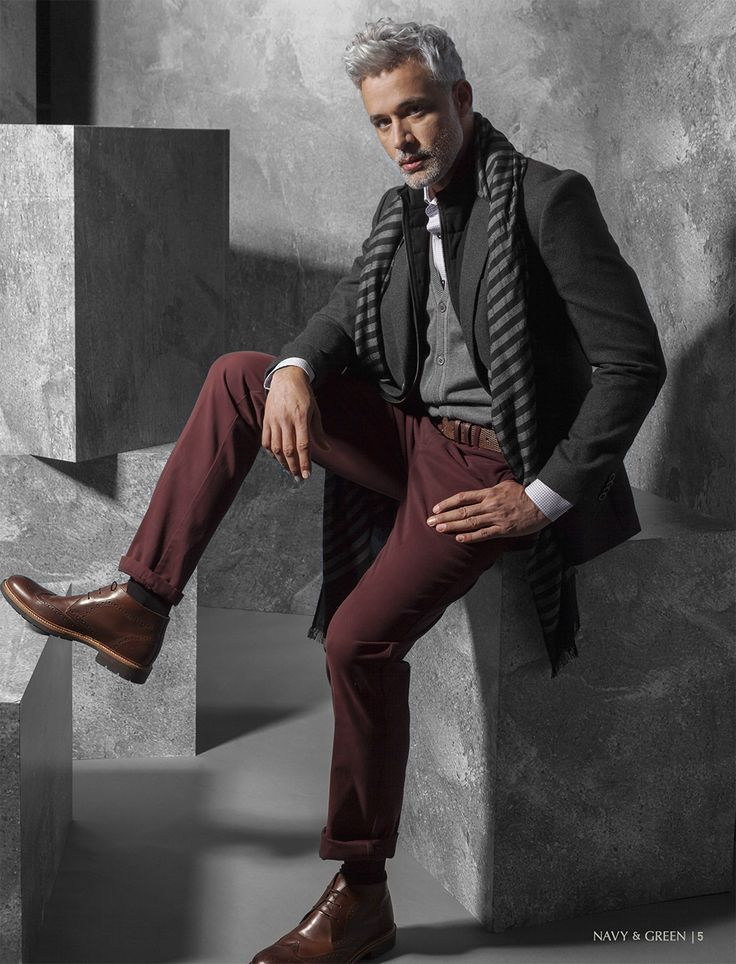 Ανδρικό σακάκι, παντελόνι και γιλέκο Navy&Green από τη συλλογή City Elegance.