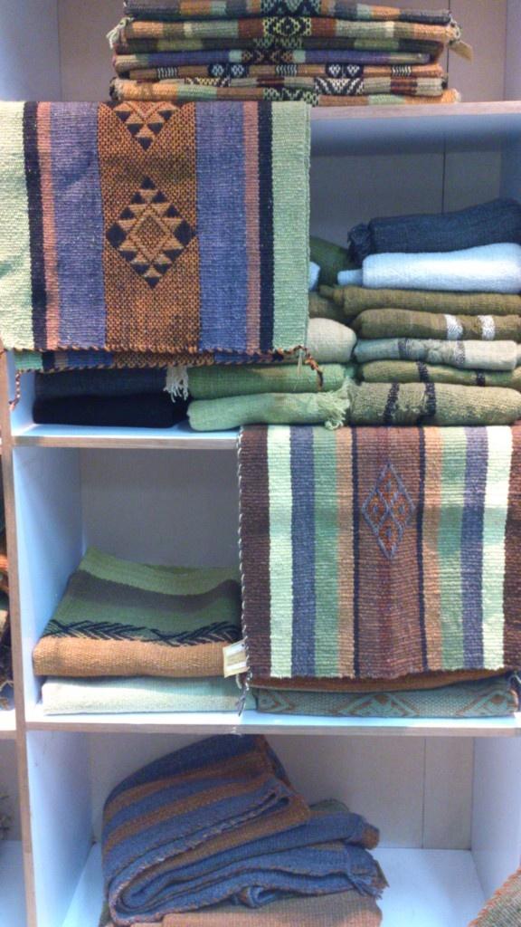 Mapuche Textiles @ Fundación Chol-Chol #mapuche #lana #natural  missionmapuche.org