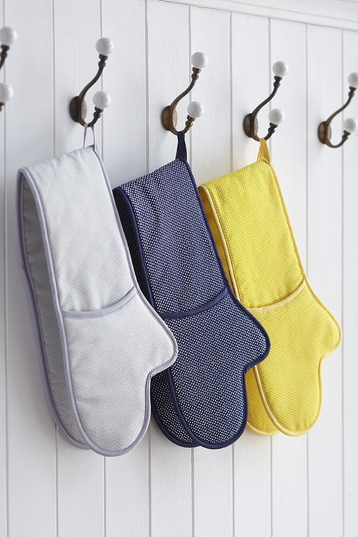 Cotton Double Oven Glove - Textileshttp://www.sophieconran.com/kitchen-textiles/cotton-double-oven-glove