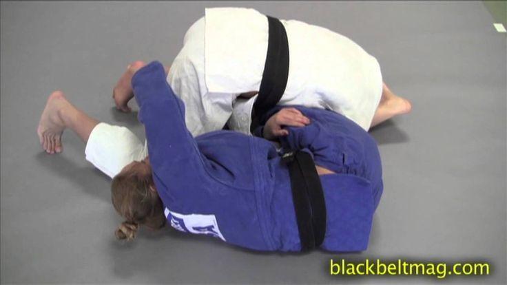 """Ronda Rousey Demos the """"Juji Squish Roll"""""""