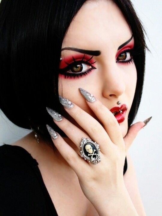 Gothic Wedding Makeup : 16 best images about Goth Things that Please Me on ...