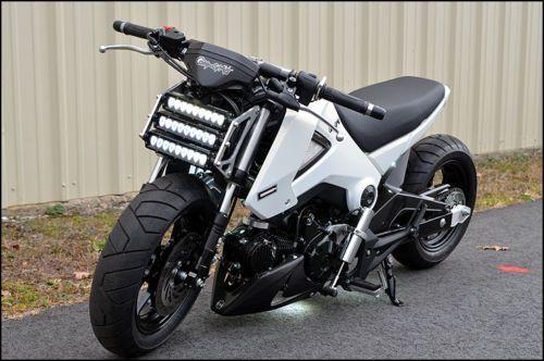 Honda Grom - Front