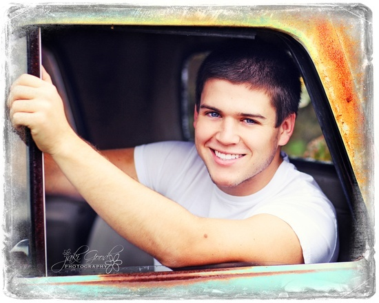 senior picture ideas for guys   Photography Hints and Ideas / senior picture ideas for guys