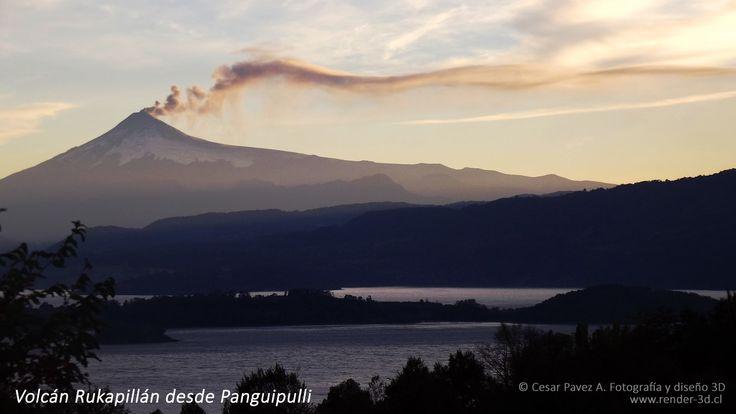 Volcan Rukapillan (Villarrica) y lago Panguipulli. Region de los Rios, Sur de Chile.