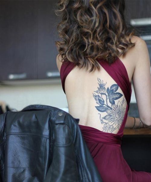 Tattoo Woman Getting: Great Ideas To Get Stylish Tattoos For Women