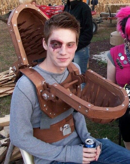 saw trap how to build a haunt pinterest haunted houses and halloween costumes