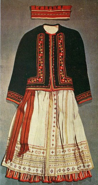 Embroidery of Yavoriw county, Halychyna, Ukraine