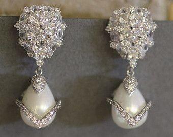Bruids oorbellen. Parel oorbellen. Bruiloft door simplychic93