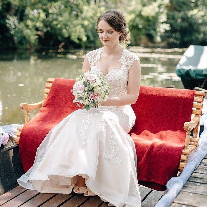 Auf Ein Neues In Schlepzig Letzten Samstag Durften Wir Wieder Eine Wundervolle Trauung Im Schlepziger Weidendom Begleiten Wedding Dresses Dresses Wedding