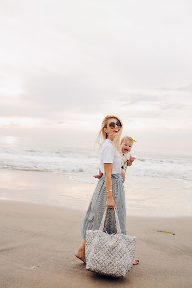 Lisa Allen and Daughters using the MZ Wallace Metro Tote wearing Rylee and Cru, Madewell and Urban Outfitters