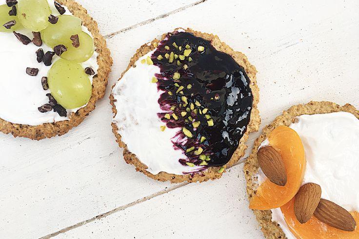 Cialde di avena aromatizzate al cioccolato bianco, cocco e limone.