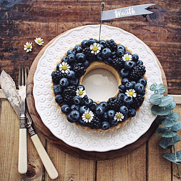 ・ Christmas wreath tart
