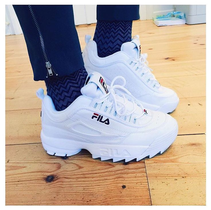 """I love the style of these shoes: they are very original, cannons, and can """"surely"""" be effective for playing sports.♀️"""