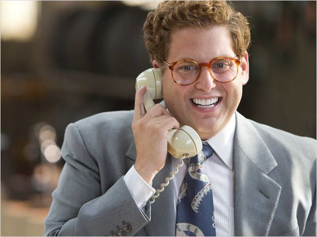 Jonas Hill dans le loup de Wall Street.. turned out to be a douche bag in the movie but he's funny as hell!