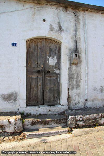 36-koutouloufari-old-house-IMG_0568_fs.jpg (400×600)