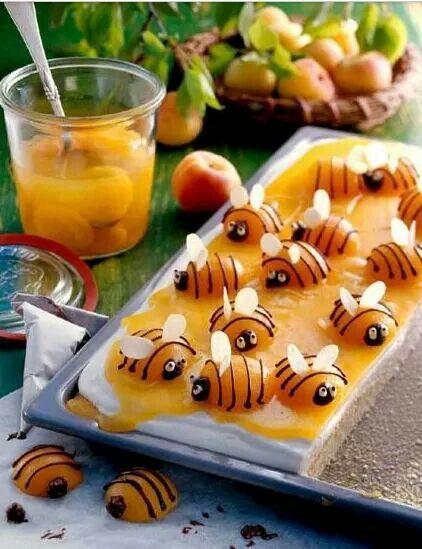 Aprikosen Bienen Kuchen