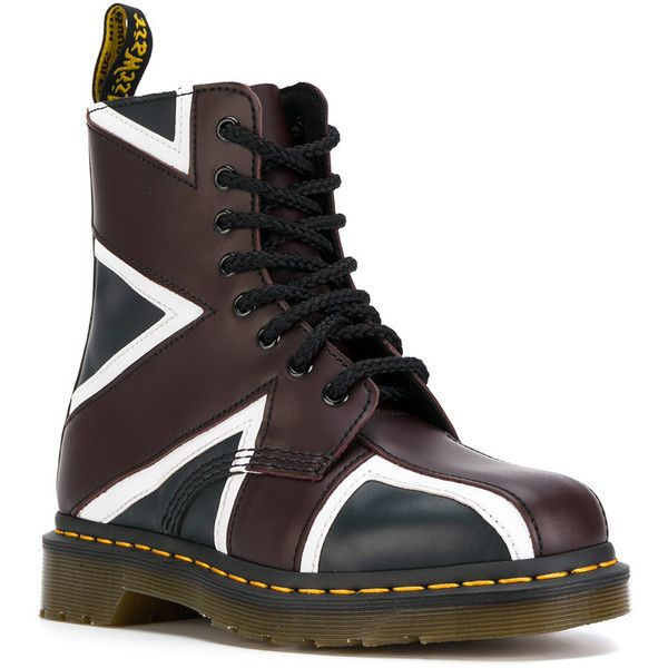 Dr. Martens Pascal Union Jack boots (2.874.960 IDR) ❤ liked on Polyvore featuring shoes, boots, genuine leather shoes, leather shoes, union jack boots, real leather shoes and union jack shoes