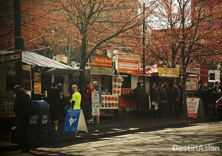 Kios-kios makanan yang bertebaran di Portland. Di sini, para pemburu kuliner dapat mencicipi berbagai makanan khas dari seluruh dunia.