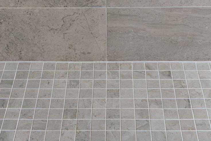 Minoli Tiles - Speculative Development / Sunningdale, Berkshire - Shower Floor Tiles: Gotha Platinum Mosaic Matt 30 x 30 cm/ Wall Tiles: Gotha Platinum Lux 59 x 59 cm - https://www.minoli.co.uk/tiles/gotha-platinum/