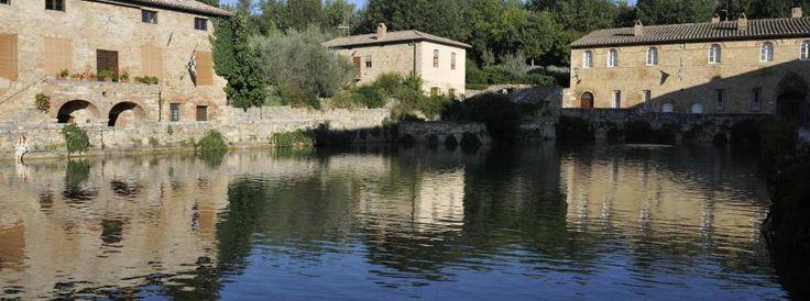 Charming hotel in Bagno Vignoni, Siena | La Locanda del Loggiato ...