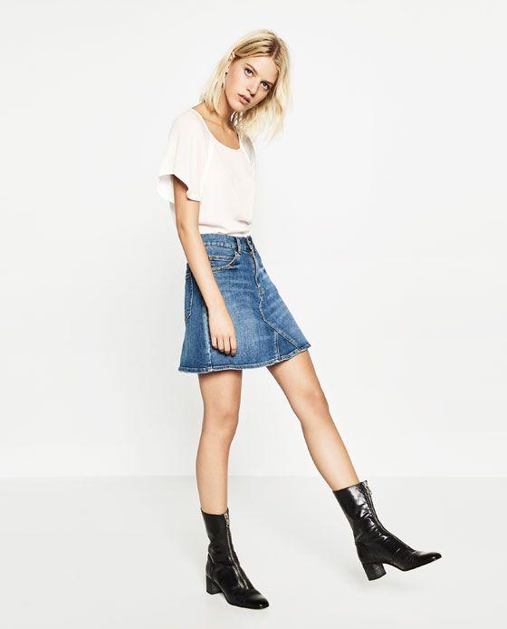 Image 1 de T-SHIRT MANCHES CAPE de Zara