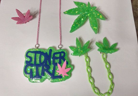 Stoner Girl SetWeed Sweater ClipHair ClipWeed by PsychoBoutique