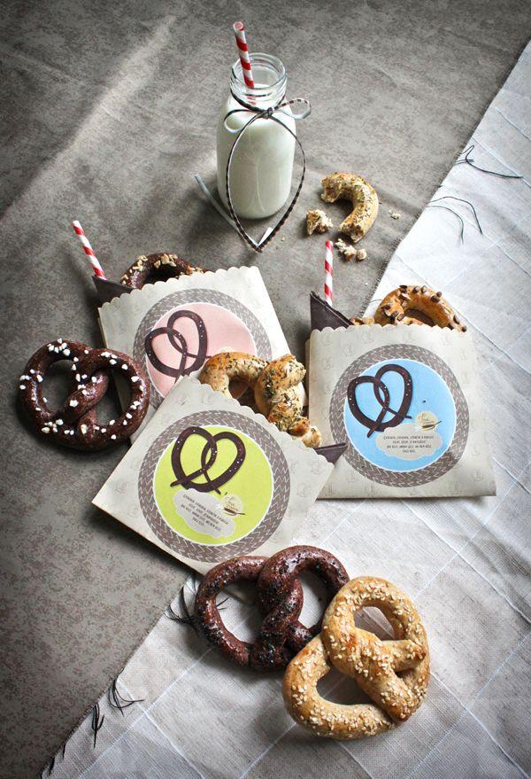 sweet and salty pretzels  http://www.green-tearoom.blogspot.hu/2013/04/segitsuti-perecek.html