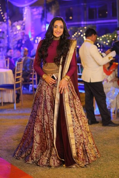 banarsi lehengas , DIY lehenga , maroon banarasi lehenga , brocade lehenga , full sleeves lehenga , deep red, wine colored banarsi skirt and crop top , silk lehenga , friend of the bride