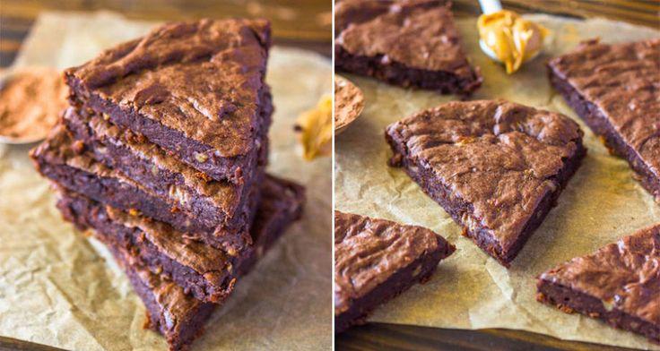 Vi ska göra vårt bästa för att skriva klart det här receptet utan att springa iväg och baka fler brownies.