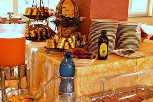 hotel-rosa-dei-venti_slider_sala-buffet-3