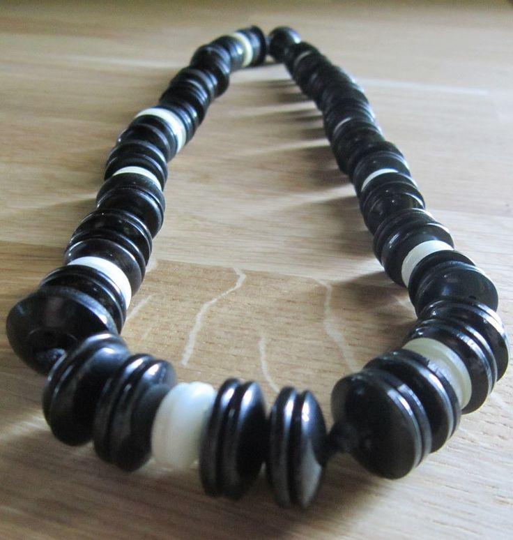 Collier original boutons noir et blanc : Collier par natu-recup