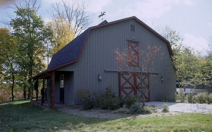 104 best images about gambrel barn with apartment on pinterest for Gambrel roof pole barn kits