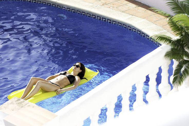 Sofie Martine blog - Spain Malaga Europe travel swimmingpool