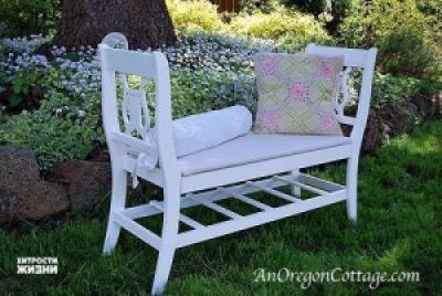 Самодельная романтическая скамья из старых стульев