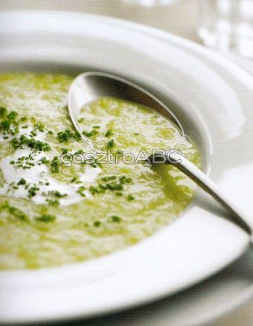 Póréhagymás burgonyaleves | Receptek | gasztroABC