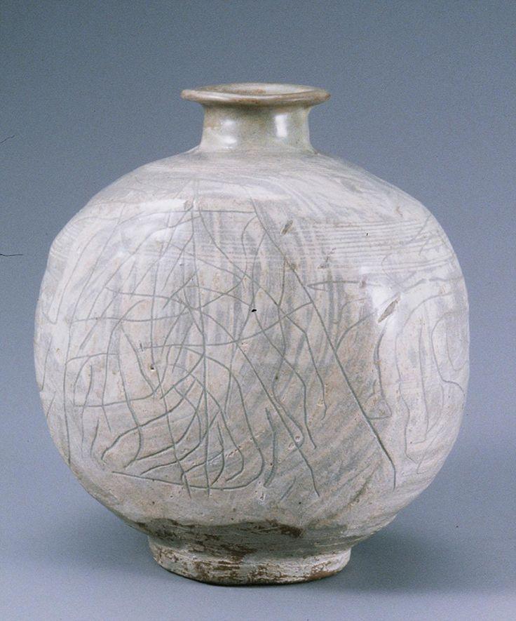 Buncheong Bottle, Joseon, 15th Century